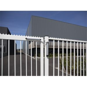 locinox lion gate closer_use3